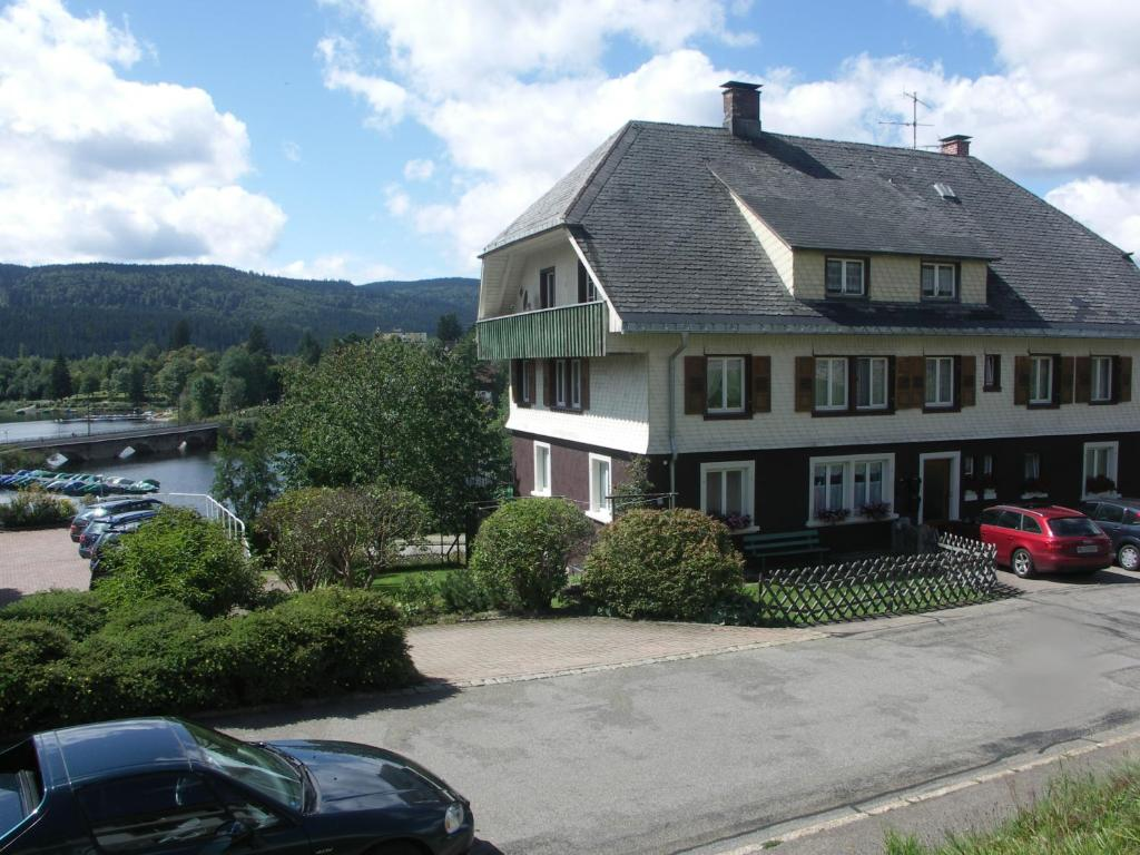 Apartment haus schwarzwald am schluchsee germany for Apartment haus