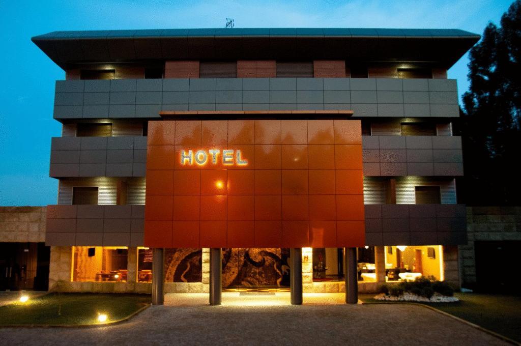 Paredes design hotel portugal paredes for Designhotel portugal