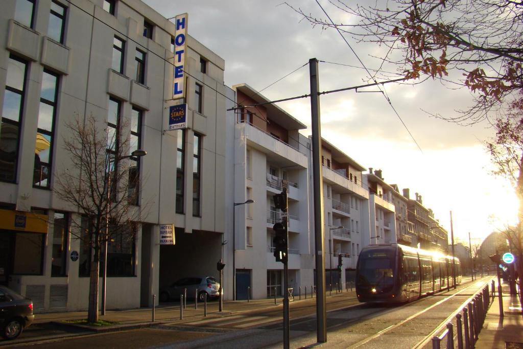 スターズ ボルドー ガール サン ジャン(Stars Bordeaux Gare Saint Jean)