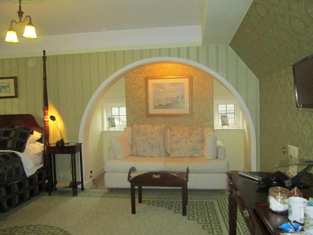 Crossways House Bed and Breakfast