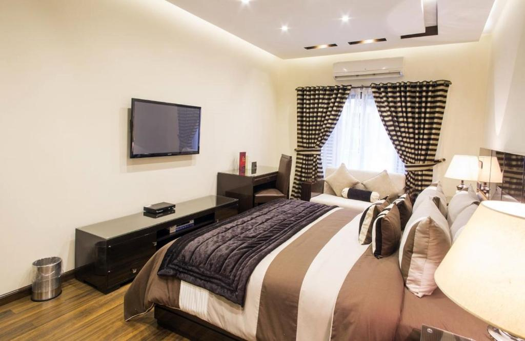 Best Hotels In Lahore For Dating