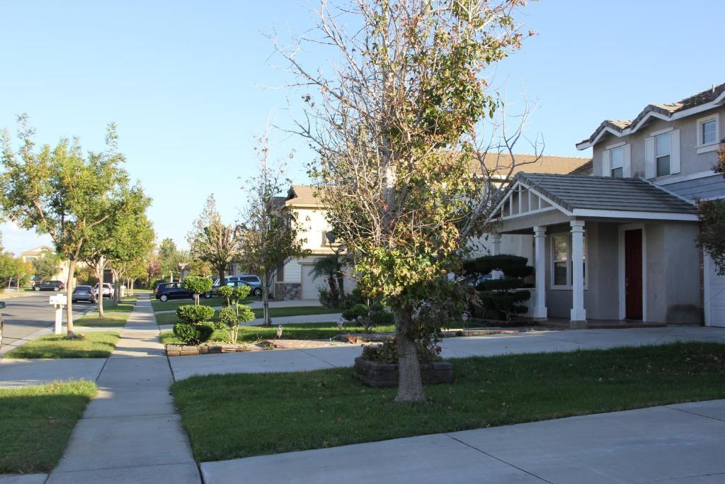 Los Angeles Family Villa Victoria Gardens Apartments Sua
