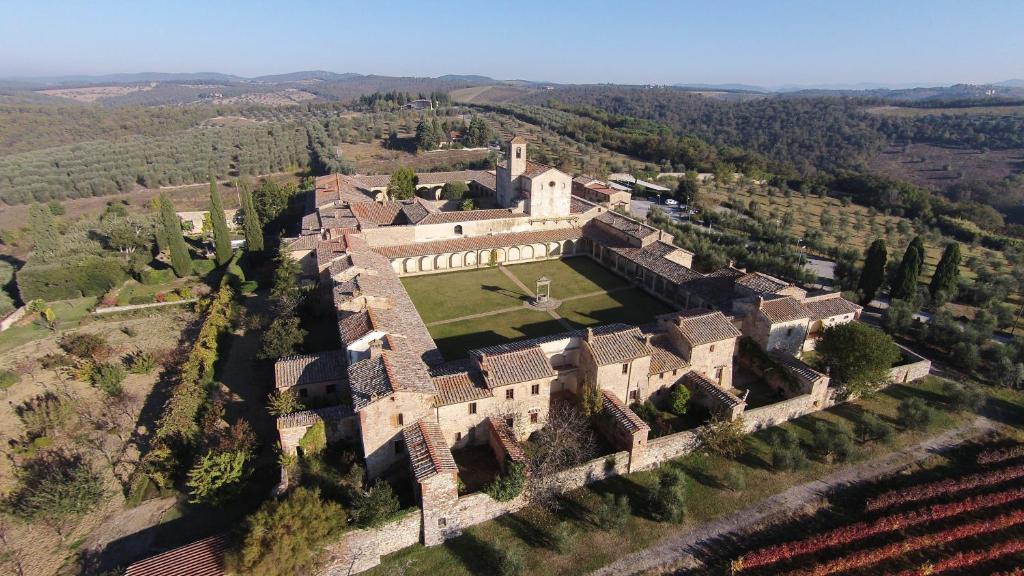 Certosa di Pontignano Residenza d'Epoca с высоты птичьего полета