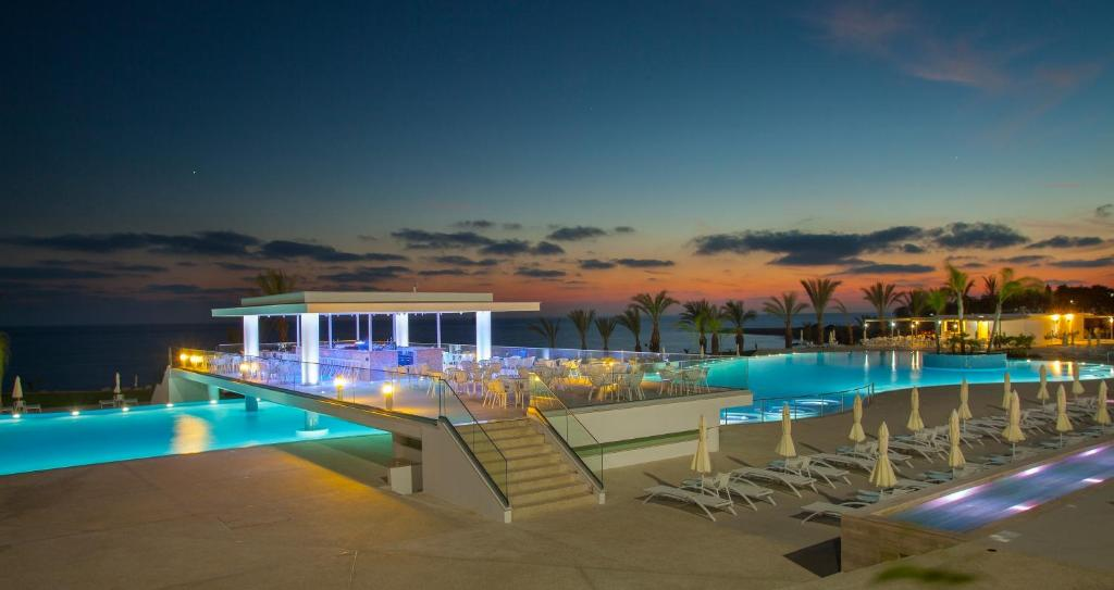 King Evelthon Beach Hotel And Resort Chloraka Paphos Cyprus