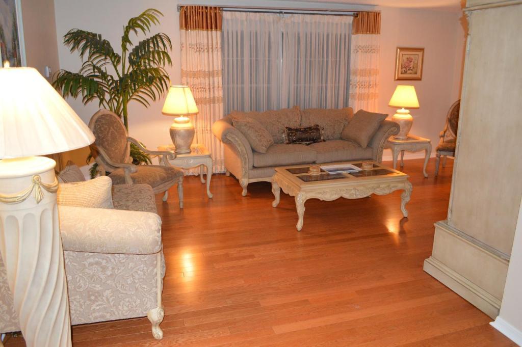 Vacation Home FourBedroom House near Universal Orlando FL