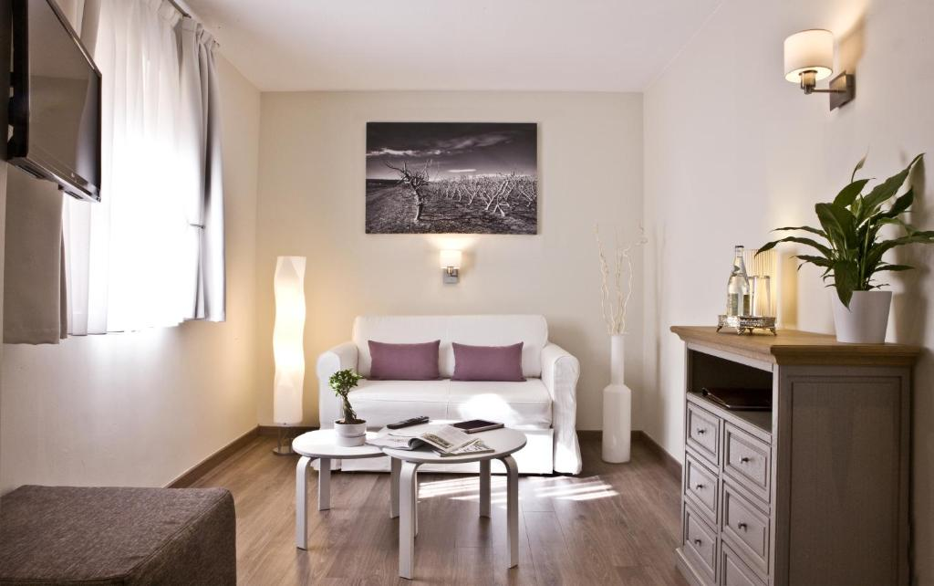 boutique hotels in girona  74