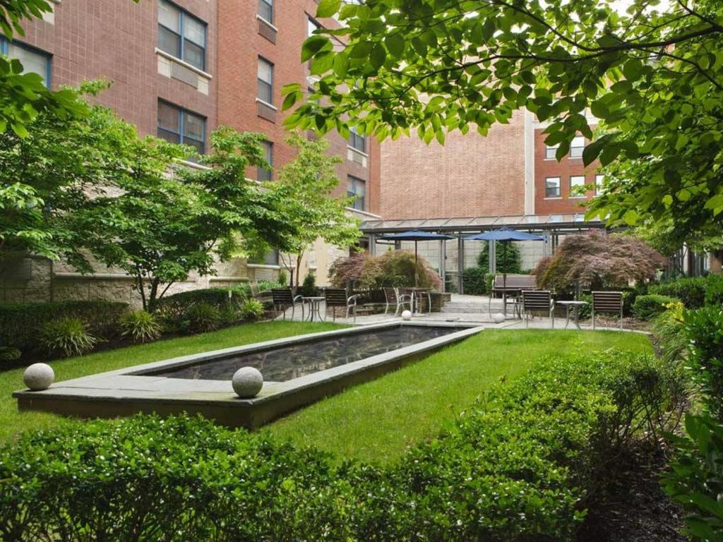 Global luxury suites at monroe morristown usa rooms