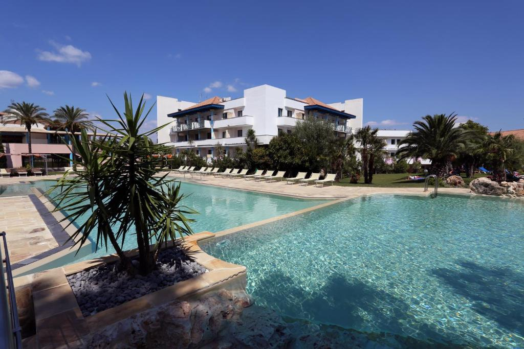 Hotel villaggio club giardini d oriente nova siri die besten