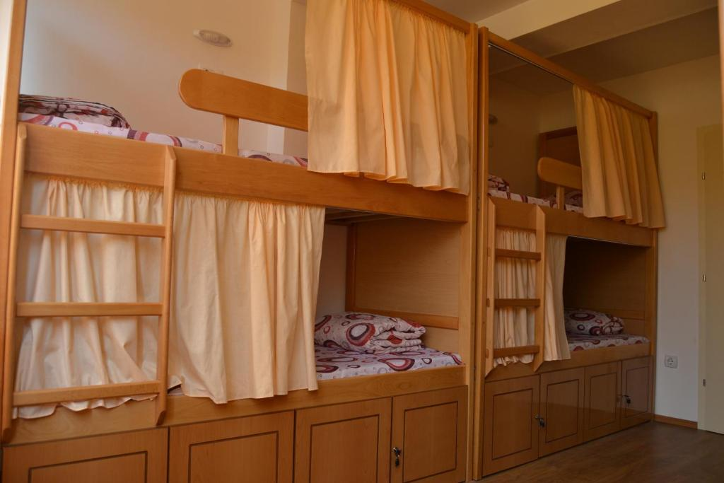 A bunk bed or bunk beds in a room at Hostel Valentin 2
