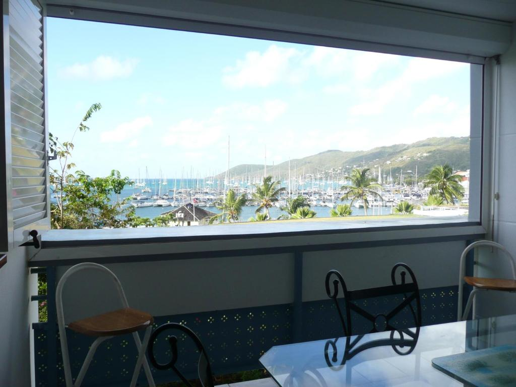 Appartement au marin martinique martinique le marin for Appart hotel paris location au mois