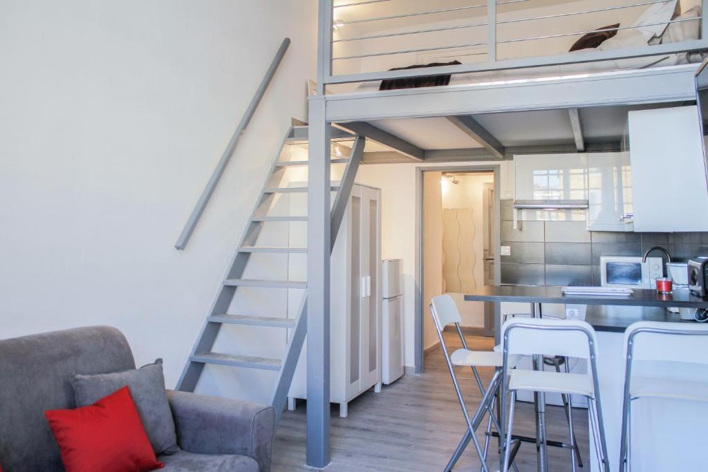 Apartment l 39 appart du vieux port marseille france - Appart hotel marseille vieux port ...
