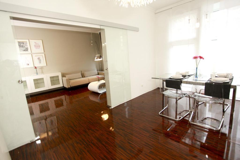 central sauna loft apartments leipzig germany. Black Bedroom Furniture Sets. Home Design Ideas