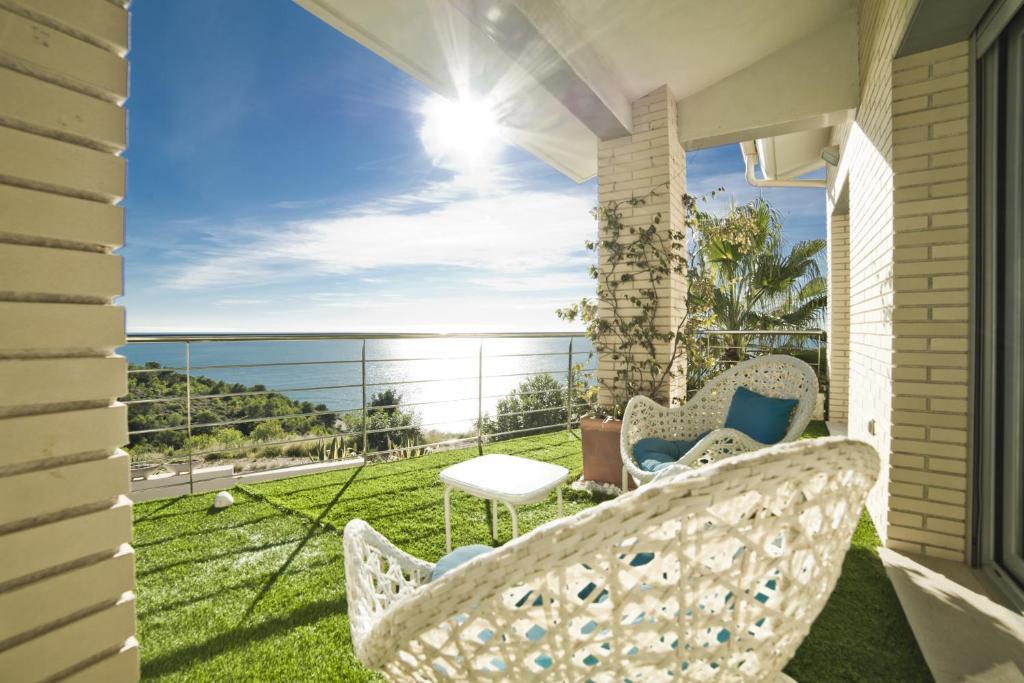 A balcony or terrace at Villa Alisa
