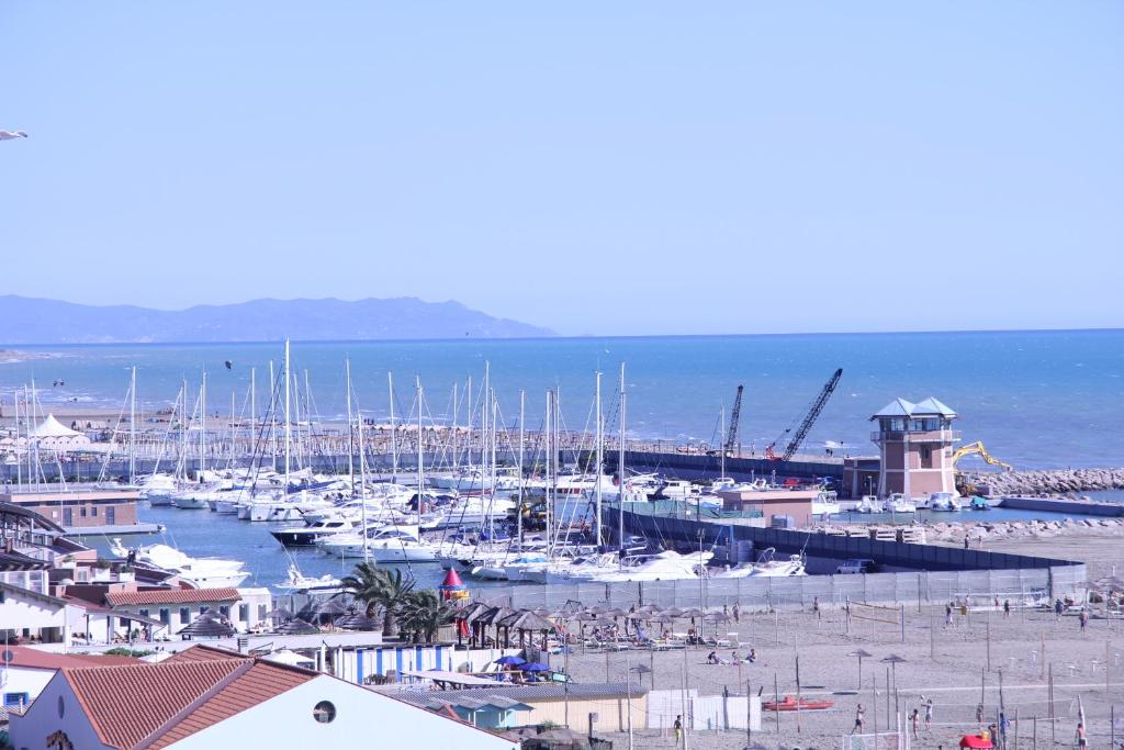 Residence mediterraneo marina di grosseto prezzi aggiornati per il 2018 - Bagno moderno marina di grosseto ...