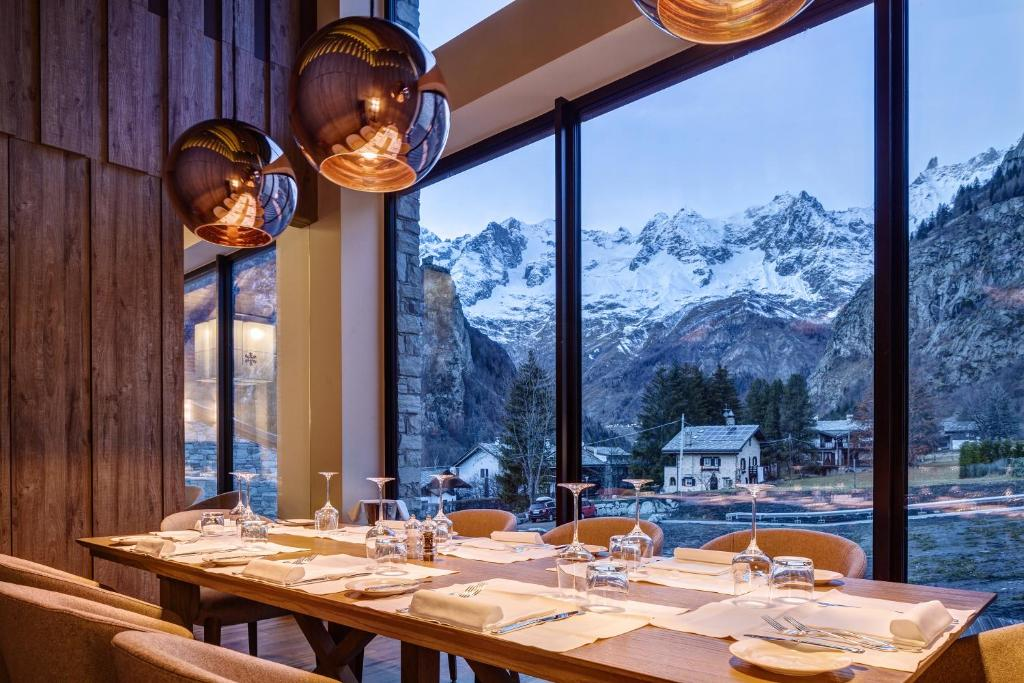Grand Hotel Courmayeur Mont Blanc, Courmayeur – Prezzi aggiornati ...