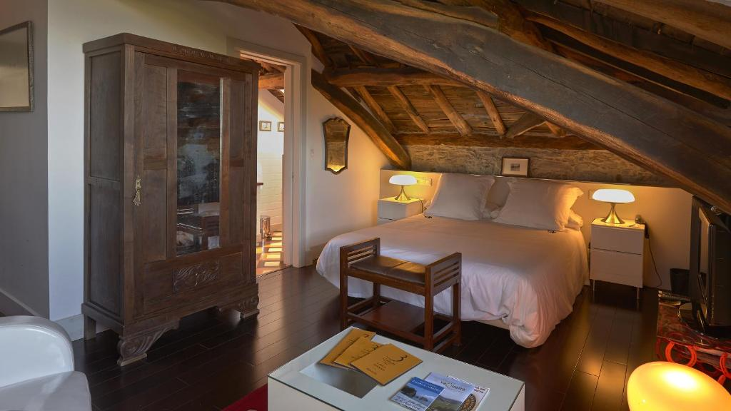 boutique hotels luarca  22