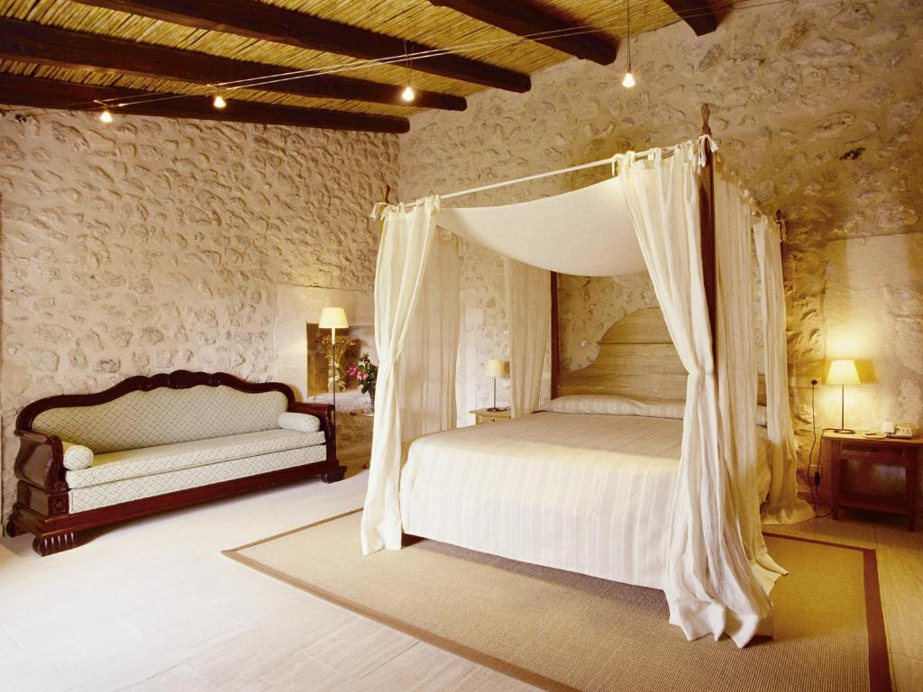 boutique hotels in campanet  8
