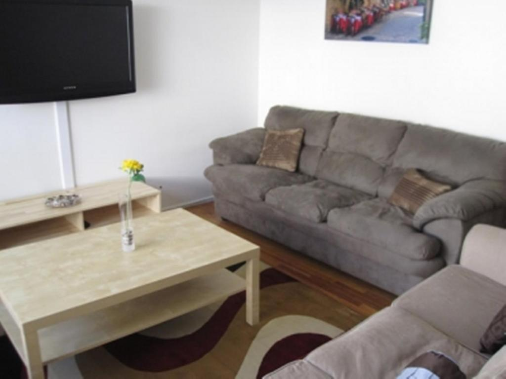 la rooms booking for in us los ca rent angeles hotel rental com room