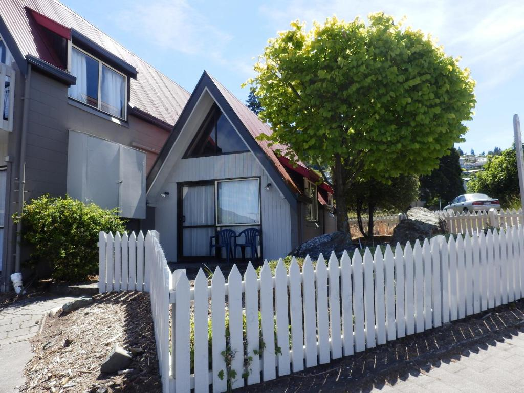 wakatipu view apartments, queenstown, new zealand - booking