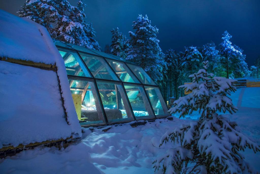 hotel lapland igloo ranua finland. Black Bedroom Furniture Sets. Home Design Ideas