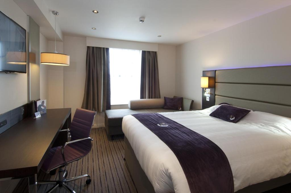 Premier Inn Croydon West Uk Booking Com