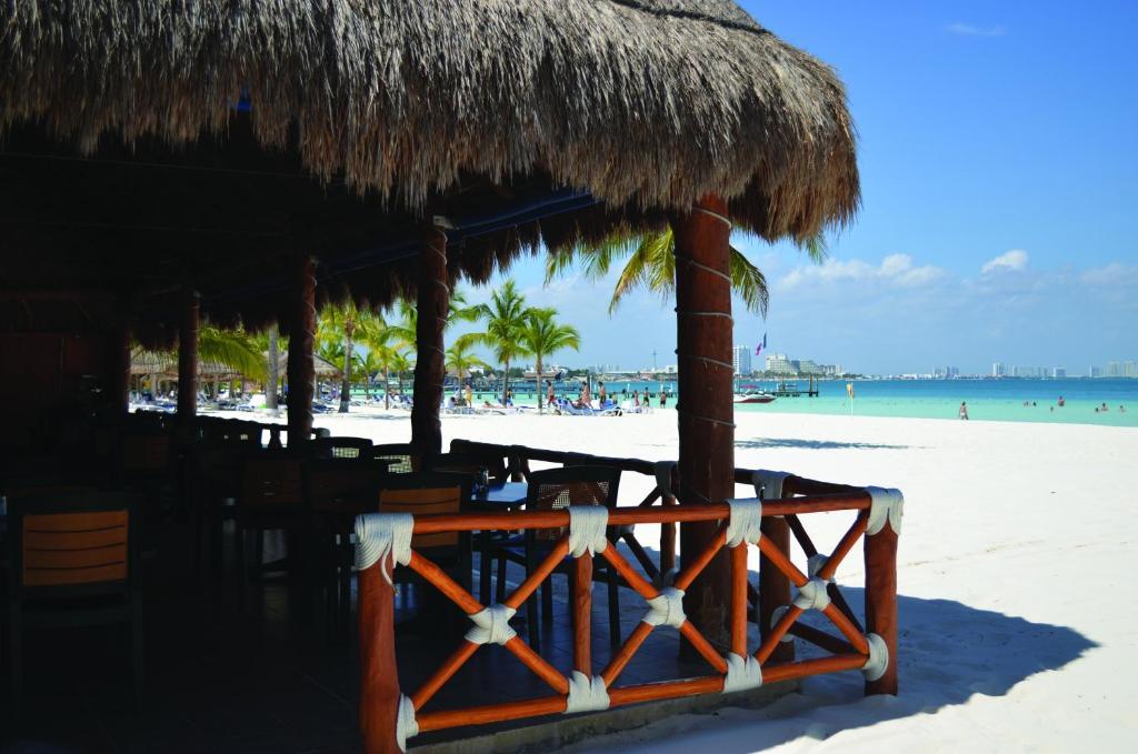 Beachscape villas cancun canc n mexico for Villas kabah cancun ubicacion