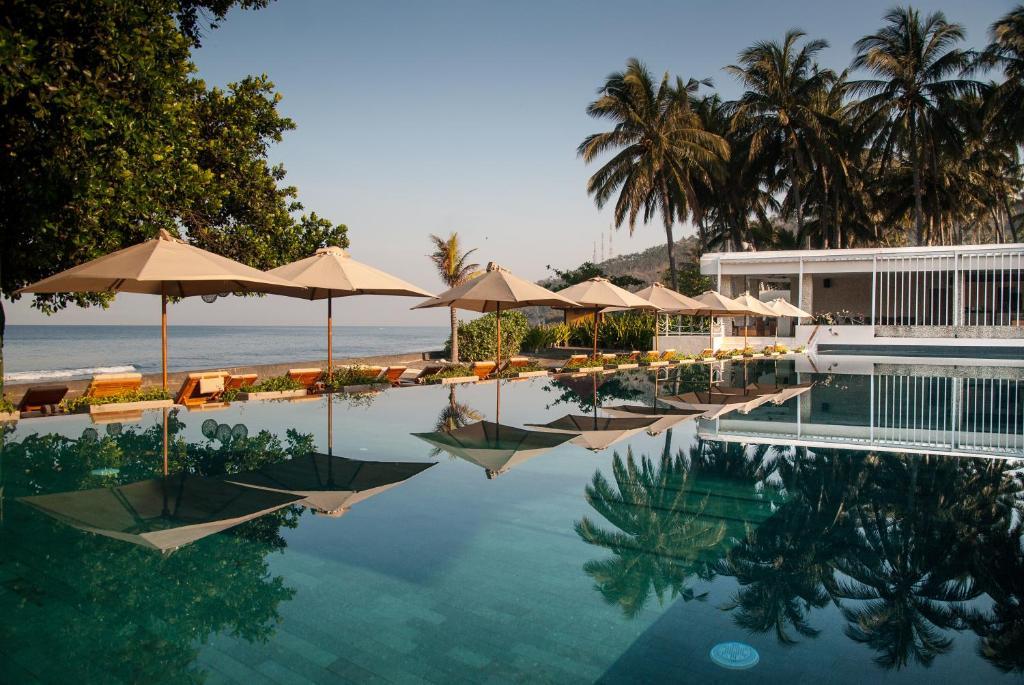 生活亞洲度假酒店游泳池或附近泳池