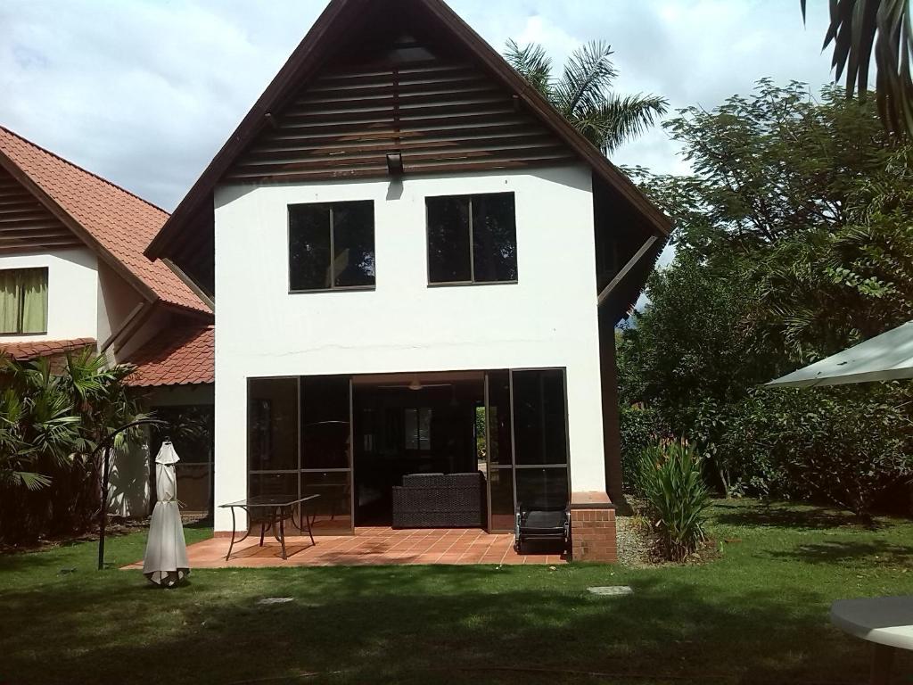 Casa o chalet casa de verano santa fe antioquia colombia for Casas de diseno santa fe