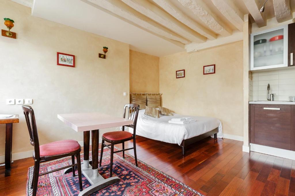 Appartement art deco paris france for Appartement deco paris