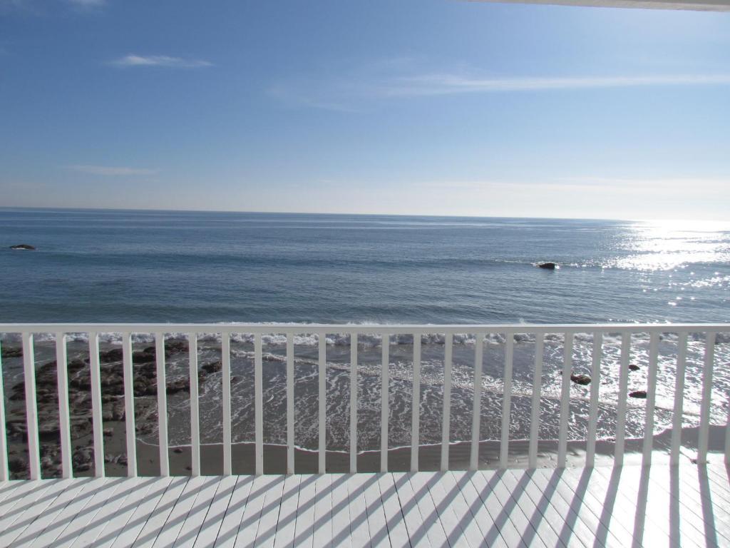 Vacation Home Three Bedroom House On The Beach Wi Malibu
