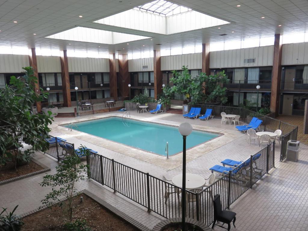 Hotels Near Diamondhead Ms