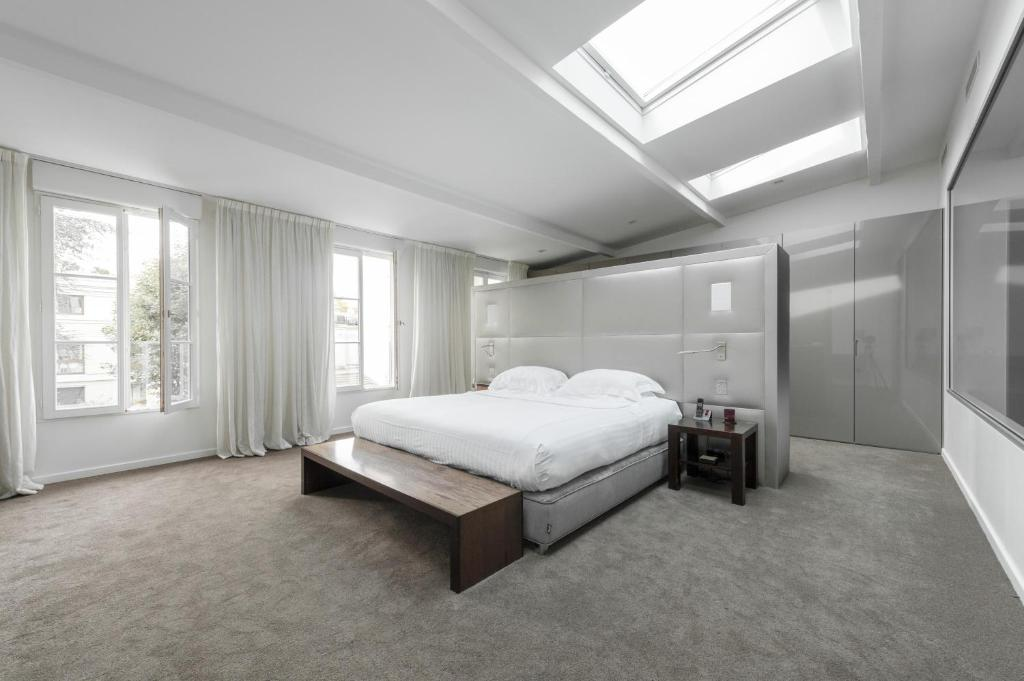 Hotel Paris Neuilly Telephone