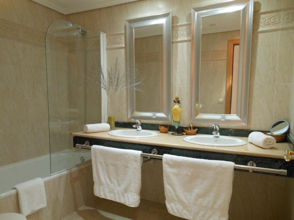 Bonita foto de Fantastic Seaview Penthouse in luxury complex