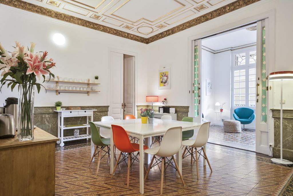Bed And Breakfast Plaza Catalunya Guest Barcelona Spain Booking Com