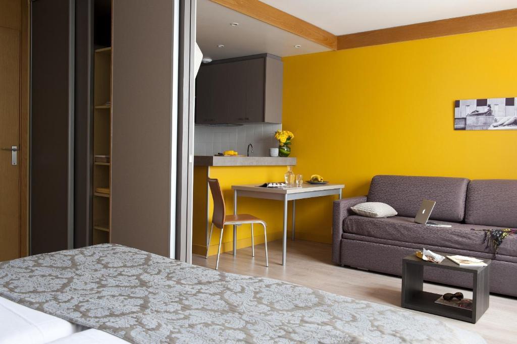 aparthotel adagio paris xv france paris. Black Bedroom Furniture Sets. Home Design Ideas