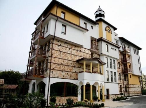 Хотел Ханът - Елена