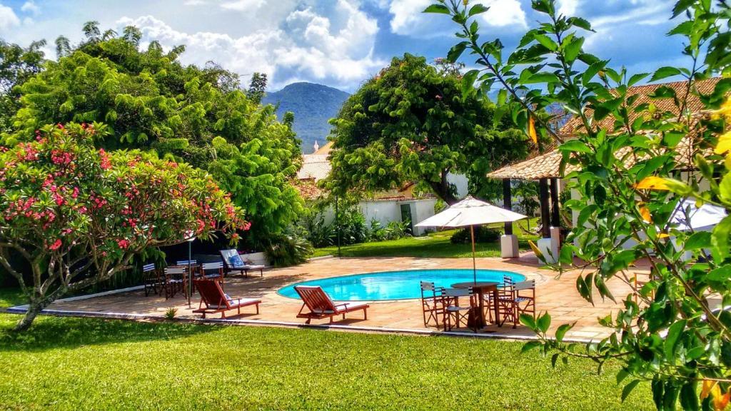 The swimming pool at or near Pousada Rio de Contas