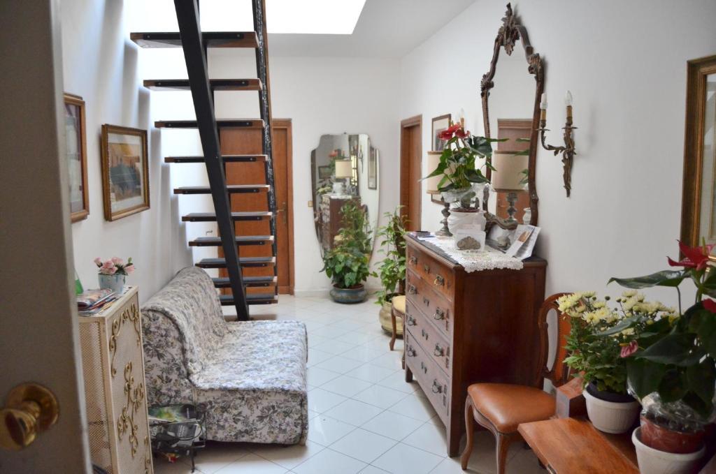 Soggiorno Livi, Firenze – Prezzi aggiornati per il 2018