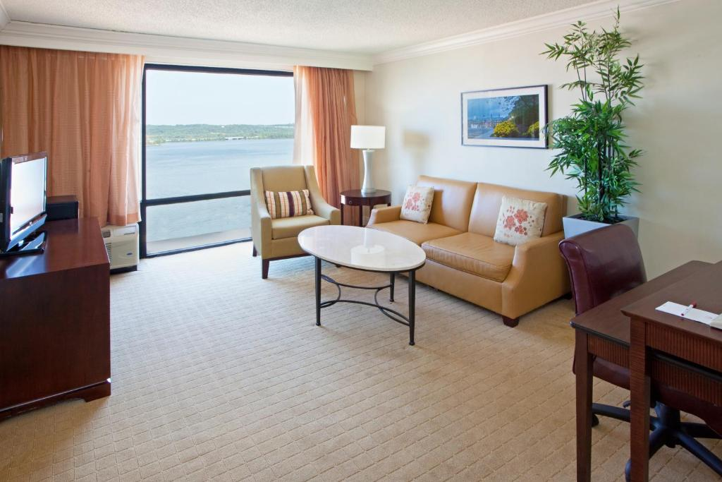 Crowne Plaza Old Town Alexandria - Reservations.com