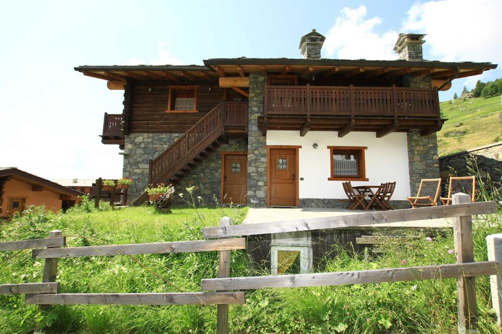 Residence Trompe L Oeil Italien Champoluc Booking Com