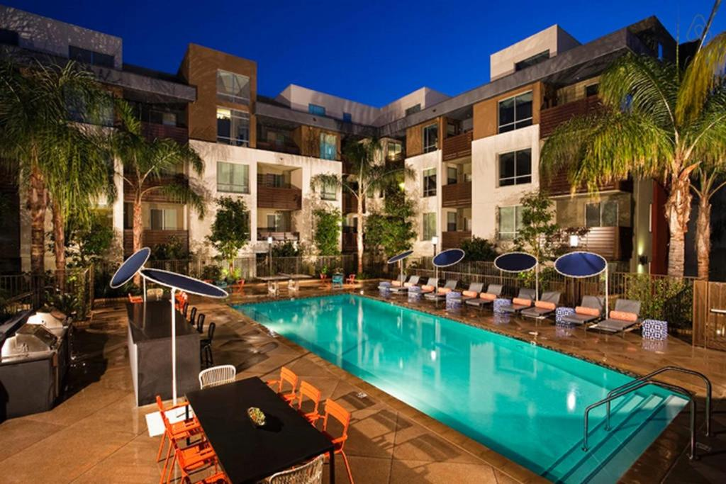 Luxury Apartments Pool apartment hollywood luxury, los angeles, ca - booking