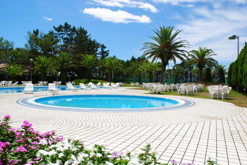 Swinger Resorts Review