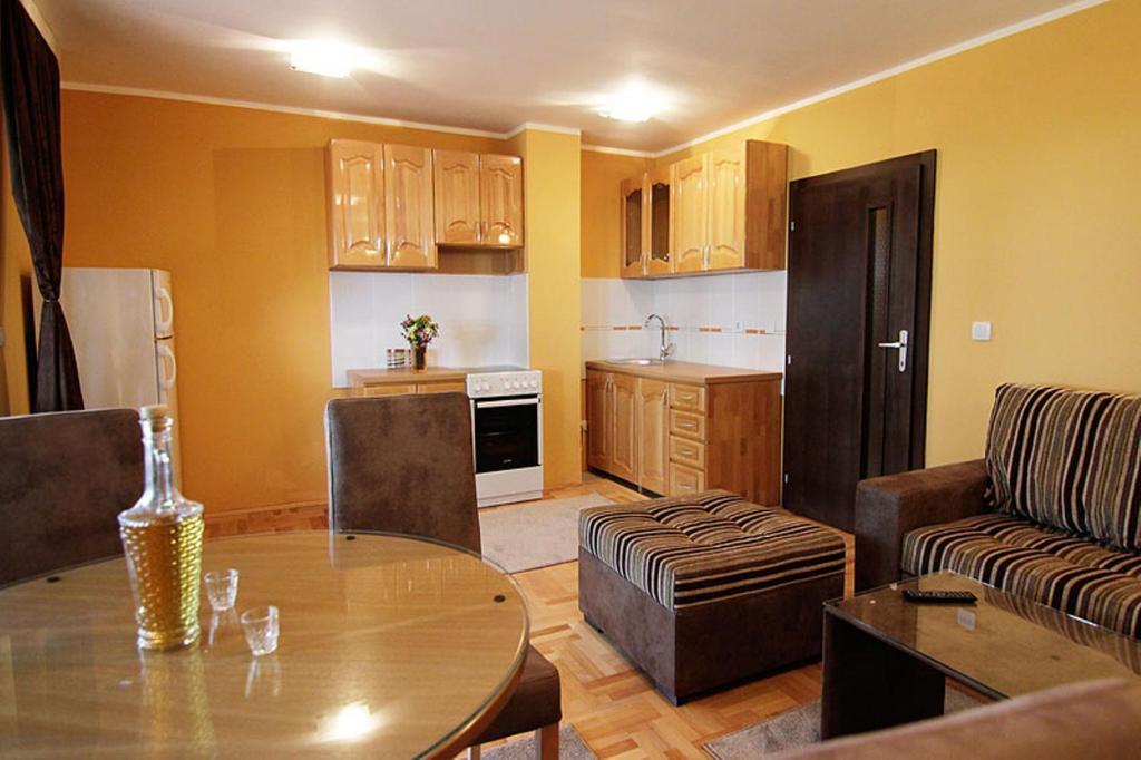 Apartments Zaric