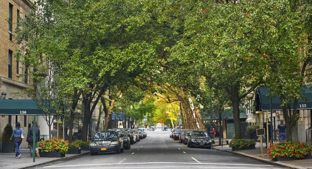 Gardens NYCan Affinia hotel New York USA Bookingcom