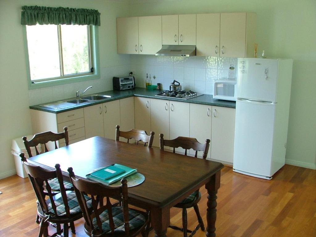 Peacehaven Country Cottages & Farmstay, Bulahdelah, Australia ...