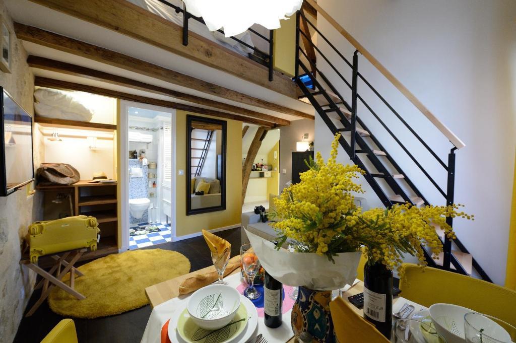 Apartment Les Patios Du Marais 1 Paris France Booking Com