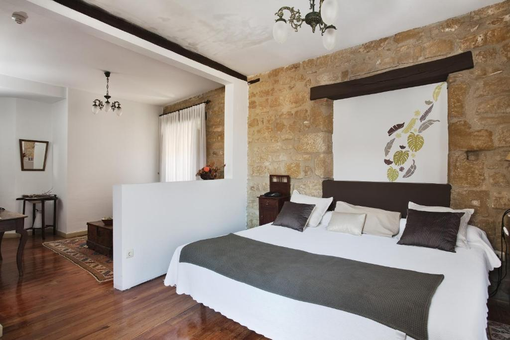 boutique hotels in briñas  7