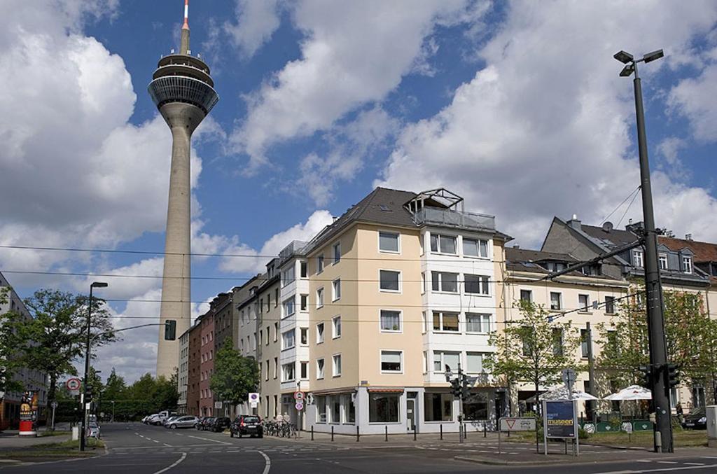 suites apartments dusseldorf city deutschland d sseldorf. Black Bedroom Furniture Sets. Home Design Ideas