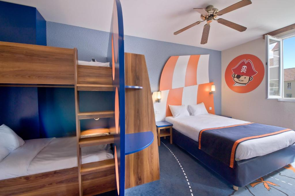 Explorers Hotel At Disney Magny Le Hongre France Booking Com