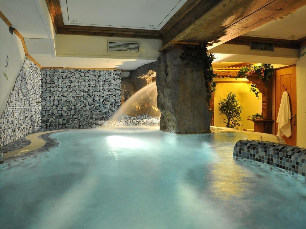 Výsledek obrázku pro wellness hotel belvedere falcade